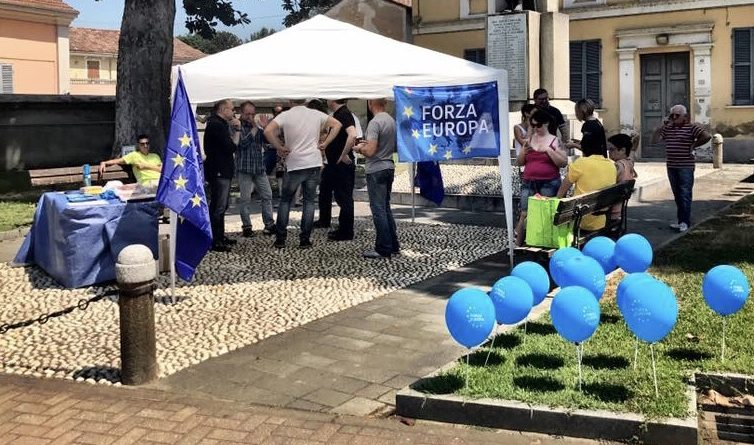 "SANT'ANGELO, ROBBIO E CERETTO IN PIAZZA PER DIRE ""SI'"" ALL'EUROPA"